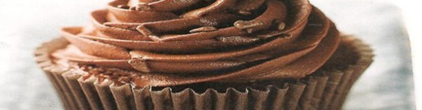CUPCAKES DE CHOCOLATE E TRUFA